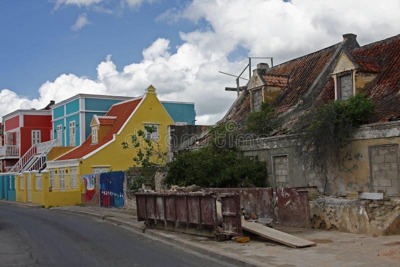 Старые и новые дома стоковая фотография rf