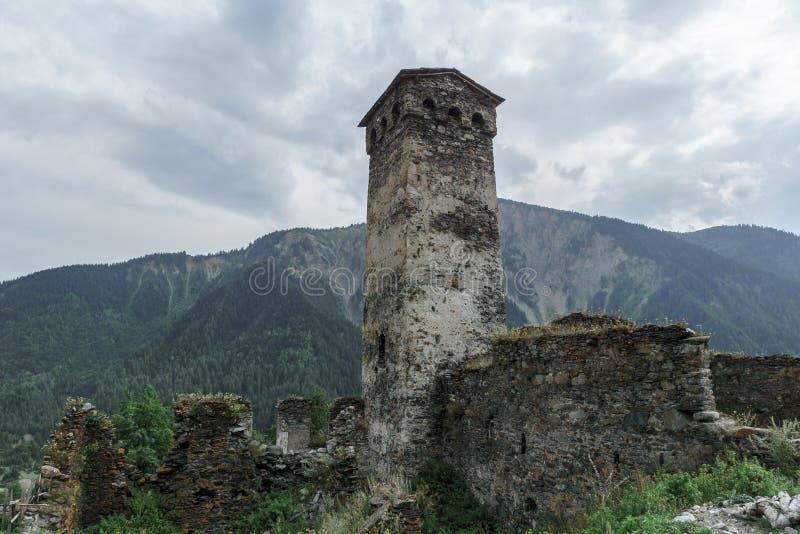 Старые каменные здания в горах стоковое фото rf