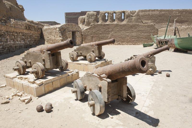 Старые карамболи на римском форте стоковое фото