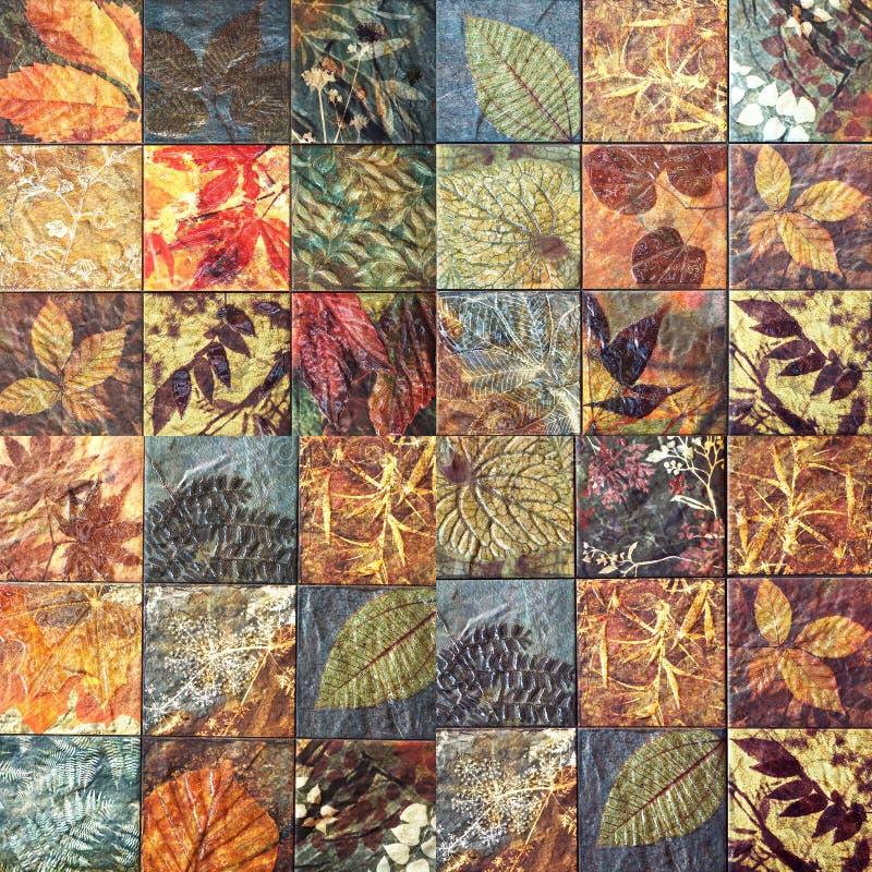 Старые картины керамических плиток стены handcraft от публики Таиланда стоковые изображения
