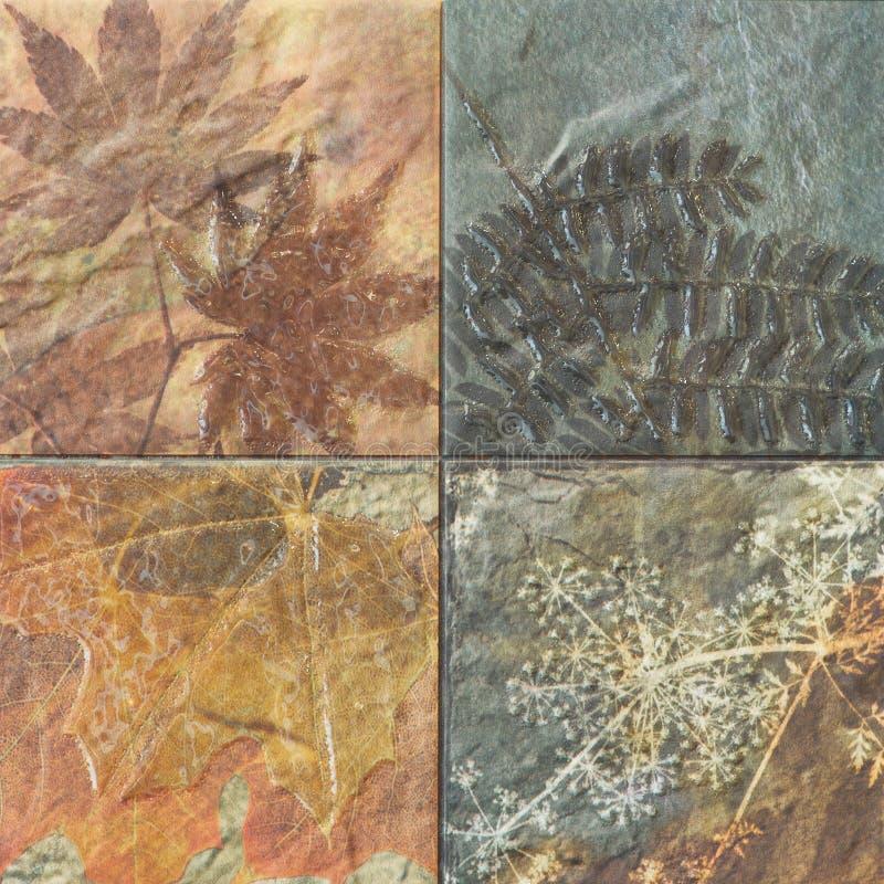Старые картины керамических плиток стены handcraft от публики Таиланда стоковая фотография rf