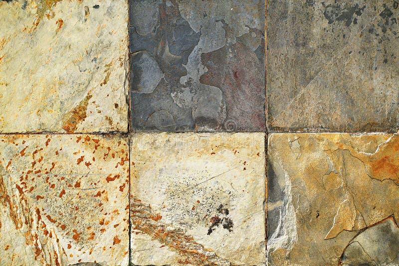 Старые картины плиток плакирования камня стены handcraft стена церков дизайна дома картин плиток конструированная зданием от публ стоковое фото rf