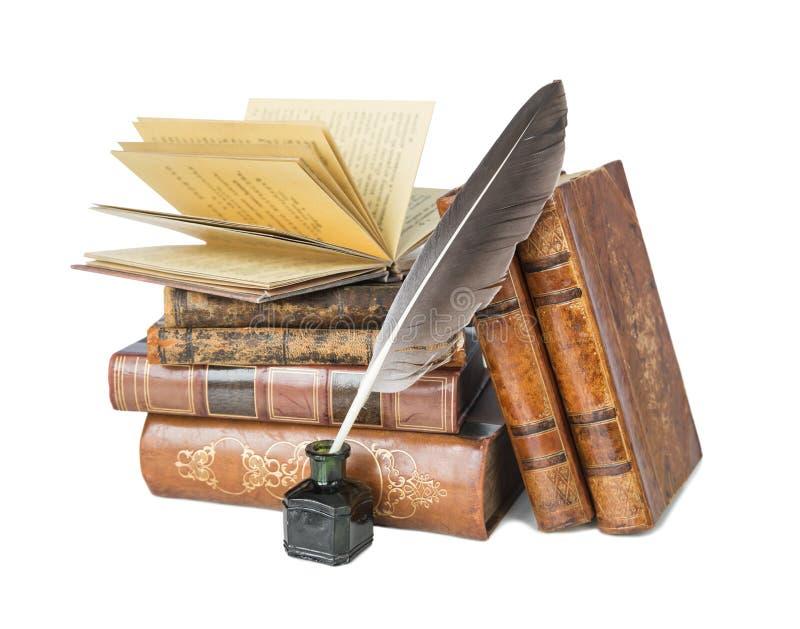 Старые книги и quill стоковое фото rf