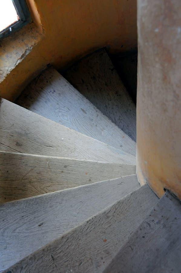 старые лестницы стоковое изображение rf