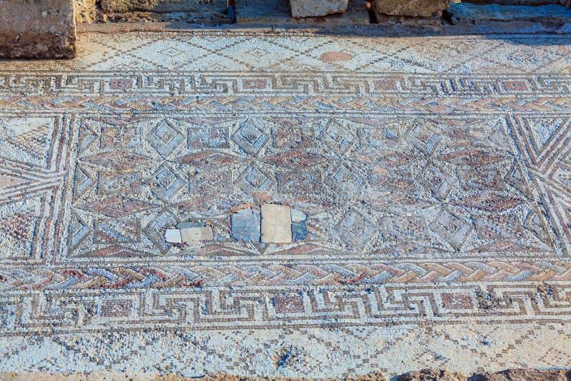 Старые мозаики в археологических раскопках, Paphos стоковое фото rf