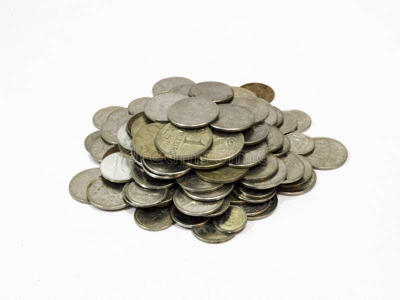 Старые монетки, монетка, белая предпосылка, бразильская стоковое фото rf