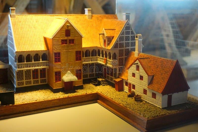 Download Старые модели городка стоковое изображение. изображение насчитывающей улица - 81803721