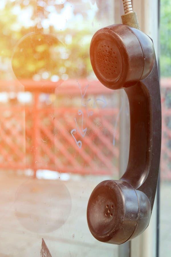 Старые общественные телефоны с светлой утечкой стоковые изображения rf