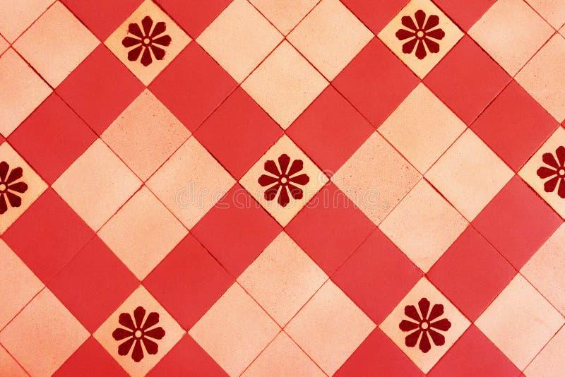 Старые плитки пола, красивый орнамент стоковое фото rf