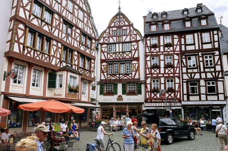 Старые полу-timbered дома в курорте Bernkastel стоковое фото rf