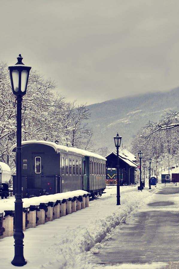 Старые ретро поезд и vagons пара стоковая фотография rf