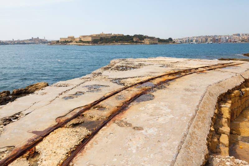 Старые рельсы в форте Tigne стоковое изображение rf