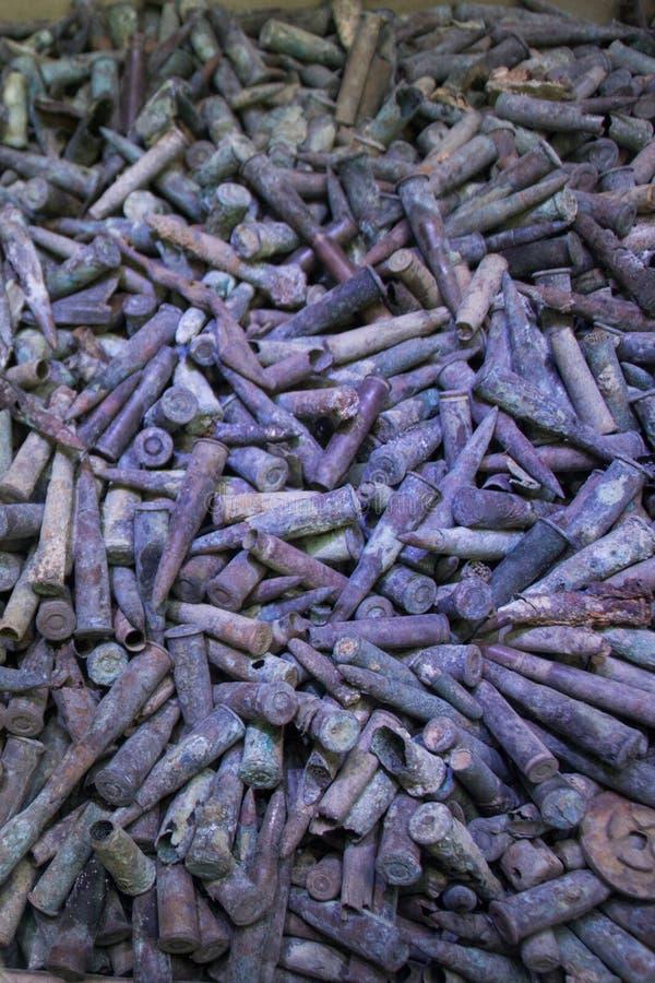 Старые ржавые боеприпасы пули стоковая фотография