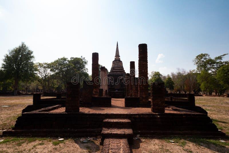 Старые руины древнего города в Sukhothai стоковое фото
