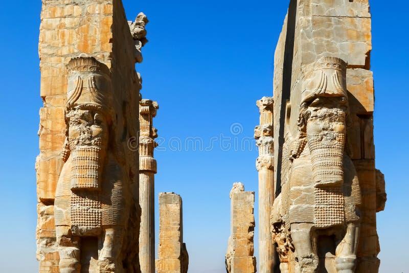 Старые руины древнего города Persepolis Строб всех наций Старая Персия Иран стоковая фотография rf