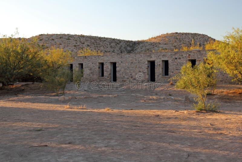 Старые руины мотеля стоковые изображения