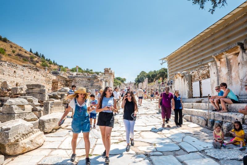 Старые руины на древнем городе Ephesus историческом стоковое фото rf