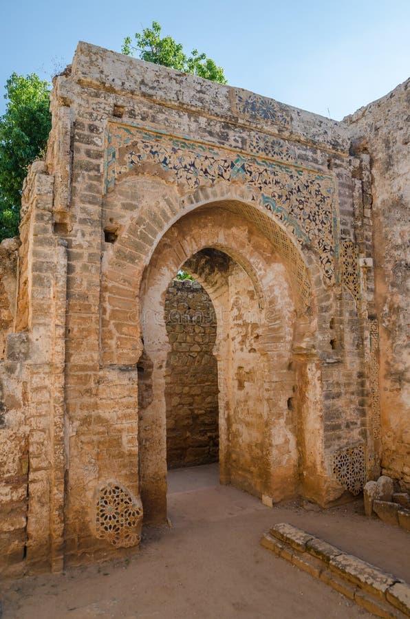 Старые руины некрополя Chellah с мечетью и мавзолеем в марокканськой столице Рабате ` s, Марокко, Северной Африке стоковые изображения