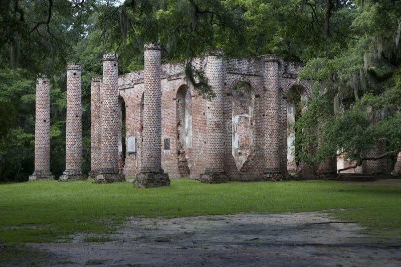Старые руины церков Sheldon, Южная Каролина стоковая фотография rf