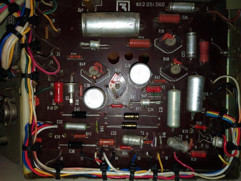 Старые сетноые-аналогов электронные доска и компоненты стоковое фото rf