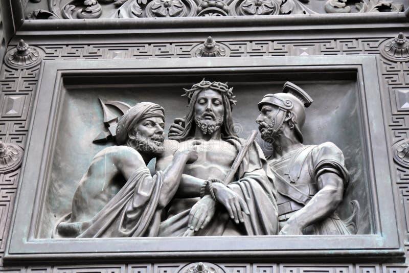 Старые стробы собора Isaacs Святого в Санкт-Петербурге, России стоковые изображения
