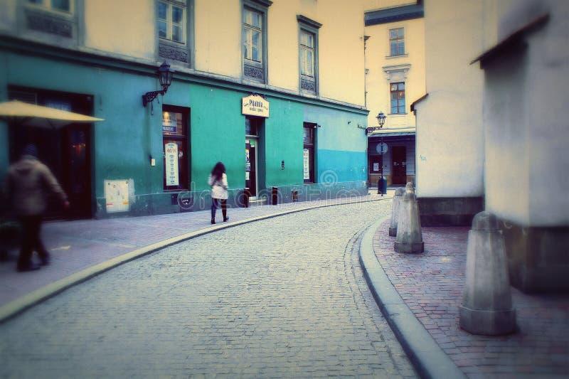 Старые улицы в старом городке Кракова, Польше, Европе стоковое изображение rf
