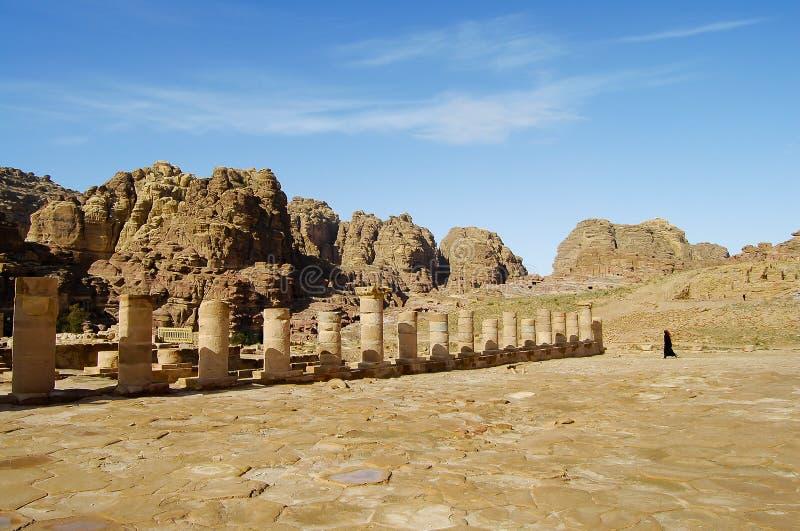 Старые штендеры - Petra - Джордан стоковое фото rf