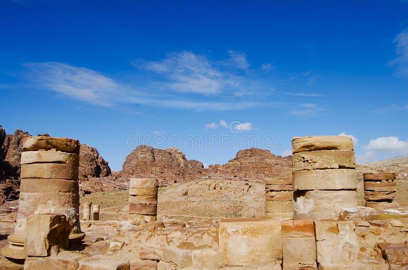 Старые штендеры - Petra - Джордан стоковое изображение rf