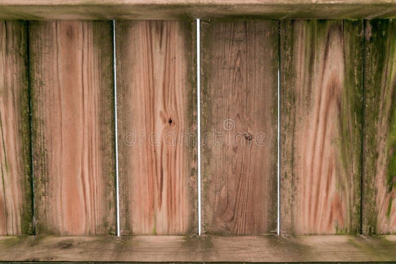 Старые grimy грязные деревянные планки, с перпендикулярными планками на  стоковое фото rf