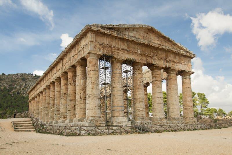 Старый античный висок в Segesta стоковые фото