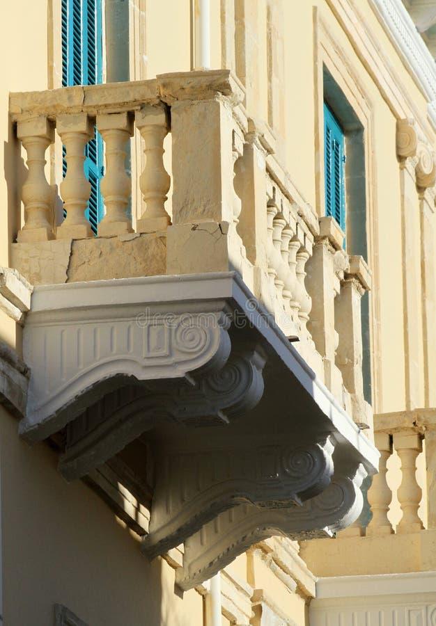 Старый балкон в Paphos стоковая фотография