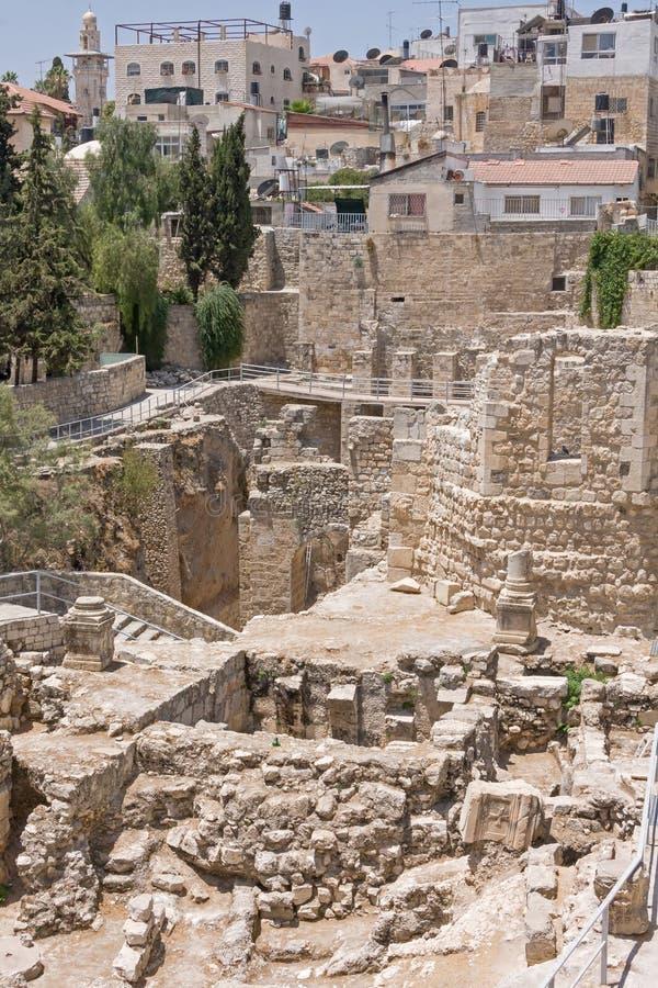 Старый бассейн Bethesda губит город inOld Иерусалима стоковое фото rf