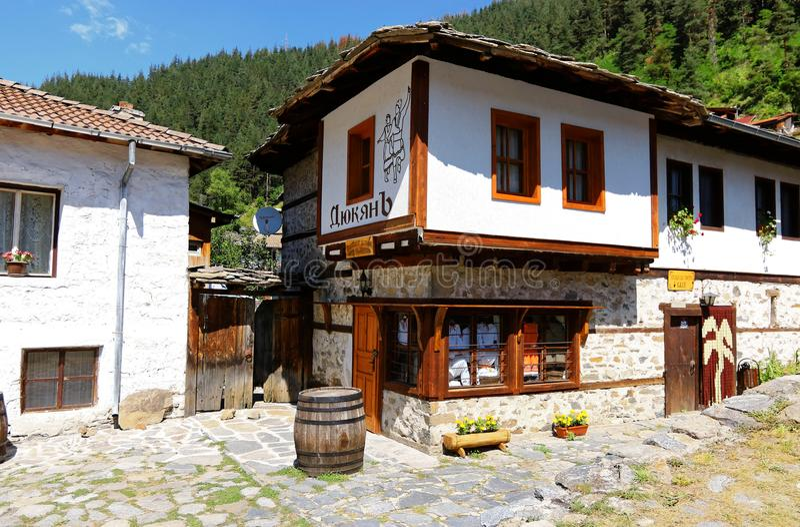 Старый болгарский дом стоковые изображения