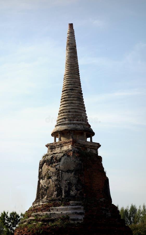 Старый буддийский висок губит шпиль стоковое фото