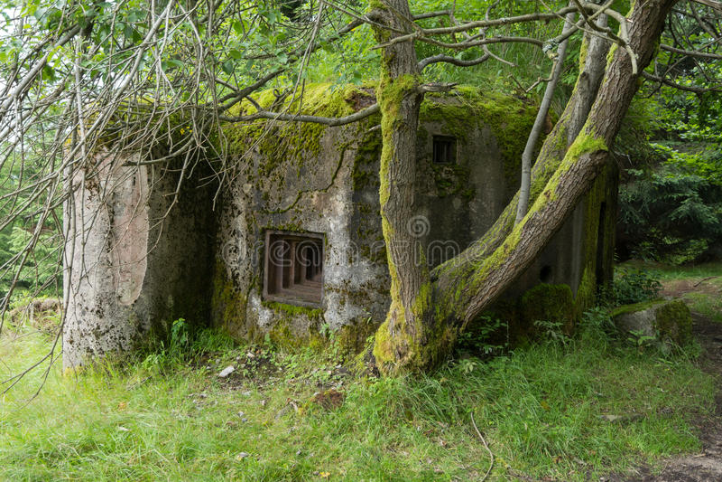 Старый бункер от Второй Мировой Войны стоковое изображение