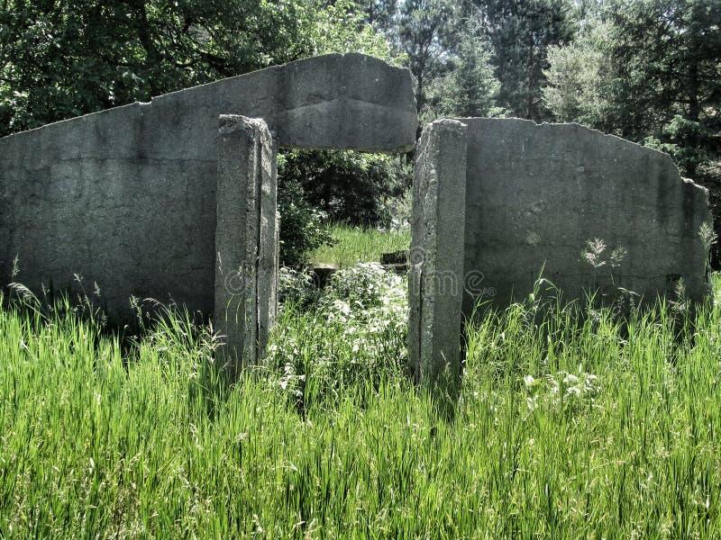 Старый бункер шторма стоковая фотография rf