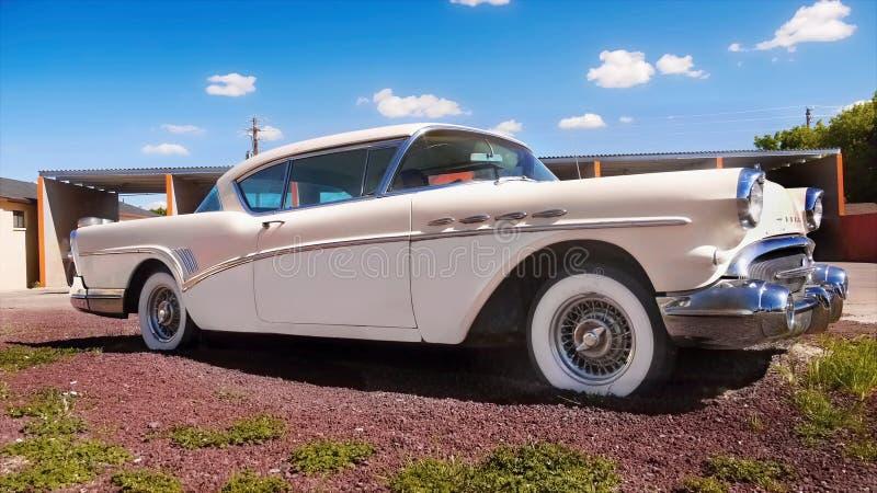 Старый винтажный американский классический автомобиль Buick стоковое фото rf