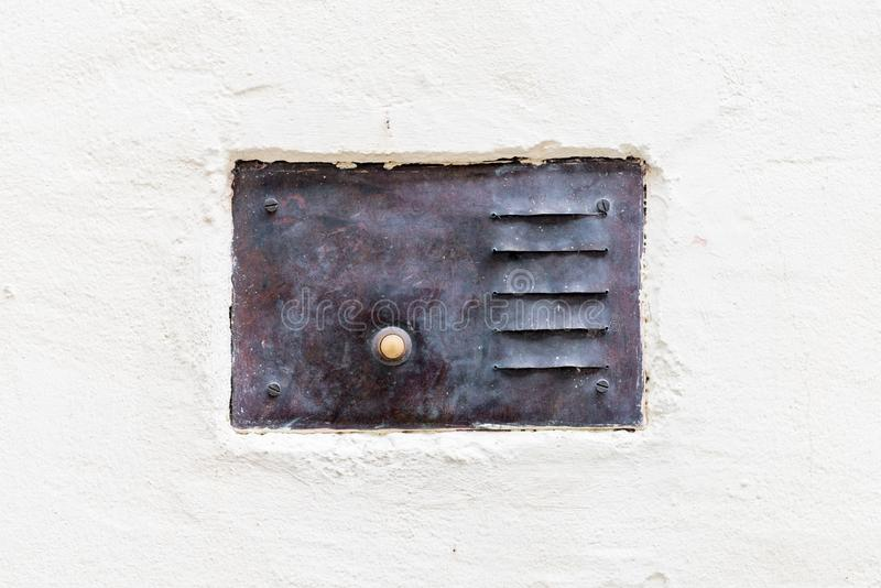 Старый винтажный дверной звонок с внутренной связью стоковые изображения rf