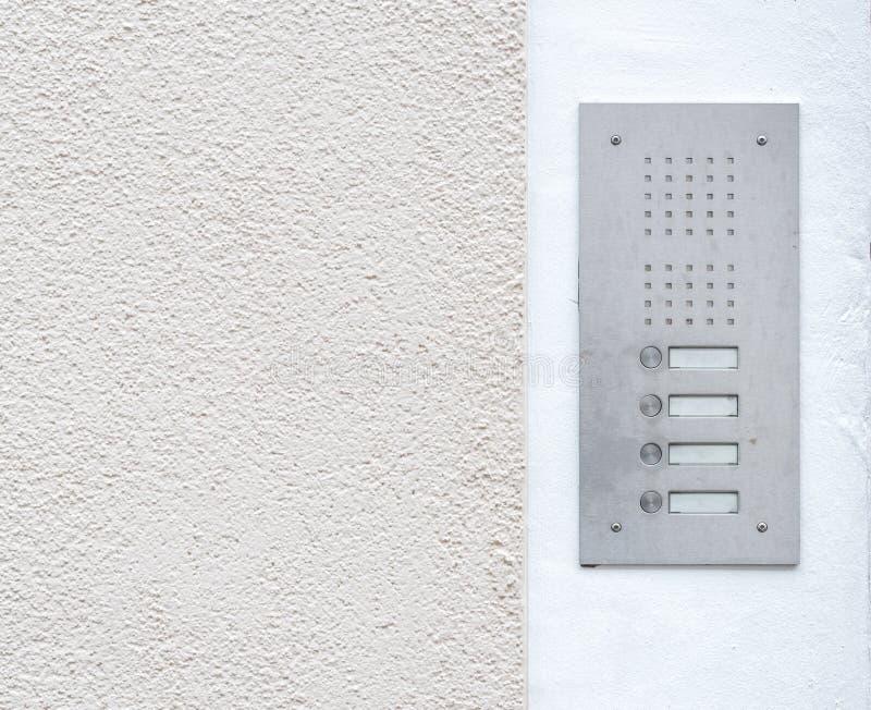 Старый винтажный дверной звонок с внутренной связью стоковые фотографии rf