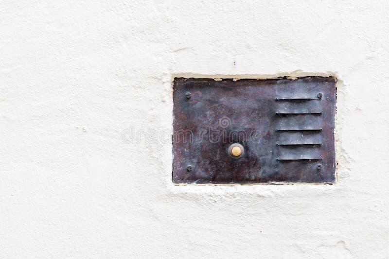 Старый винтажный дверной звонок с внутренной связью стоковая фотография