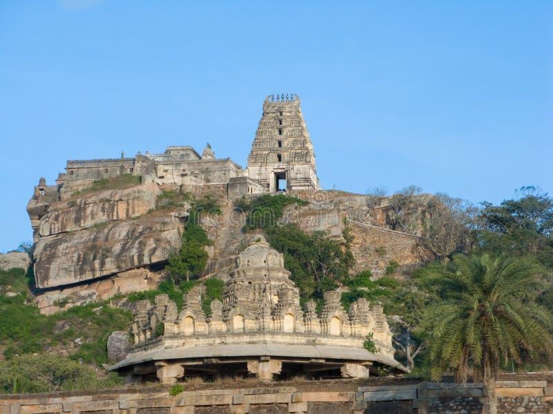 Старый висок вершины холма в южной Индии стоковое изображение rf