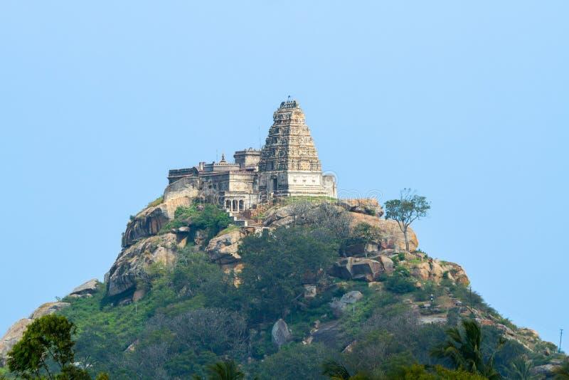 Старый висок вершины холма в южной Индии стоковая фотография rf