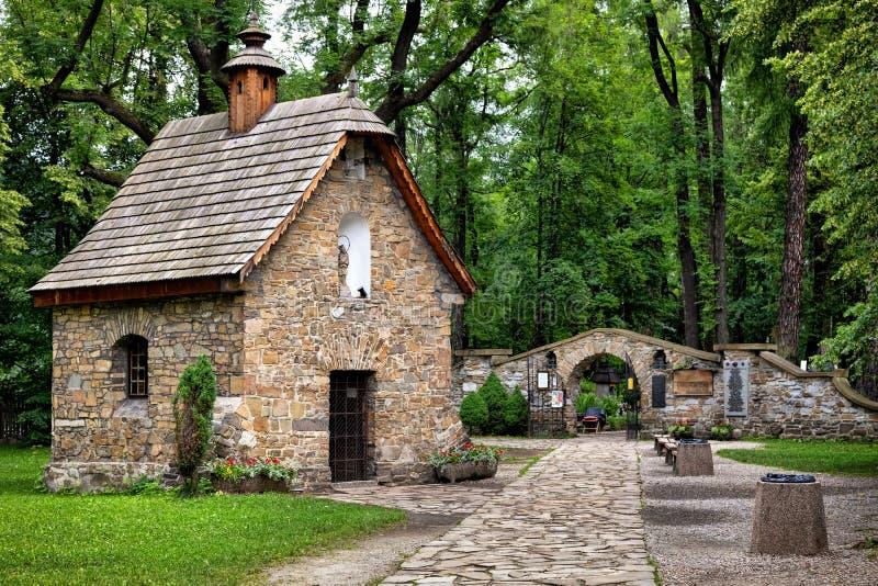Старый городок Zakopane, Польши Историческая часовня Gasienica стоковые фотографии rf