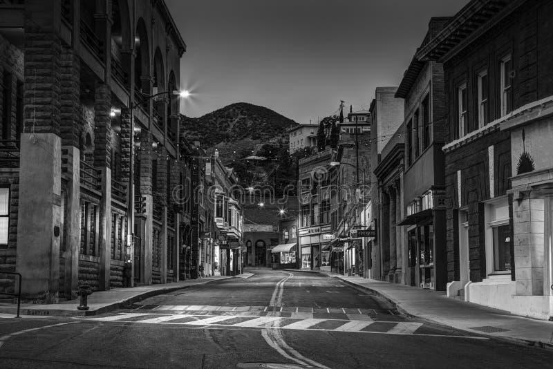 Старый городок Bisbee Аризона в черно-белом стоковые фото
