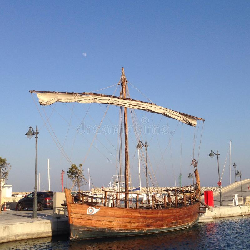 Старый греческий корабль стиля стоковые фото