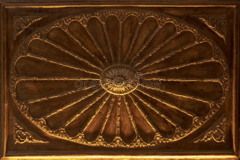 Старый деревянный высекать Цвет Брауна стоковые изображения rf