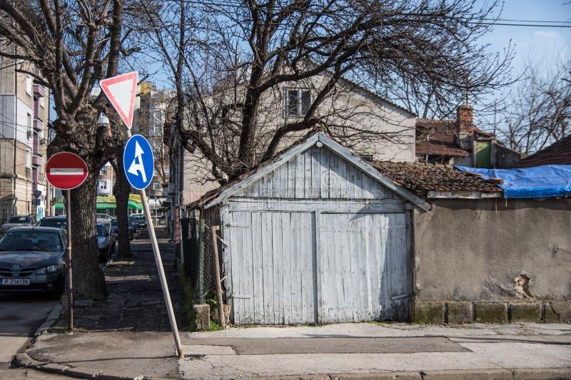 Старый деревянный гараж стоковое изображение rf