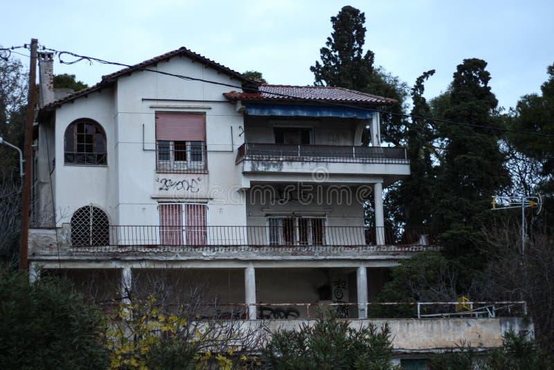 Старый дом в kalamaria стоковые изображения