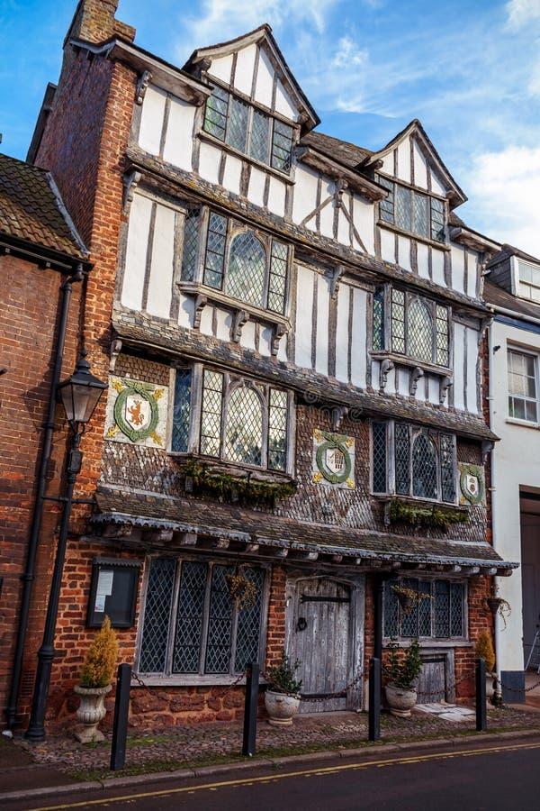 Старый дом Tudor, остров Exe, улица 6 Tudor, Эксетер, Девон, Великобритания, 28-ое декабря 2017 стоковое изображение rf