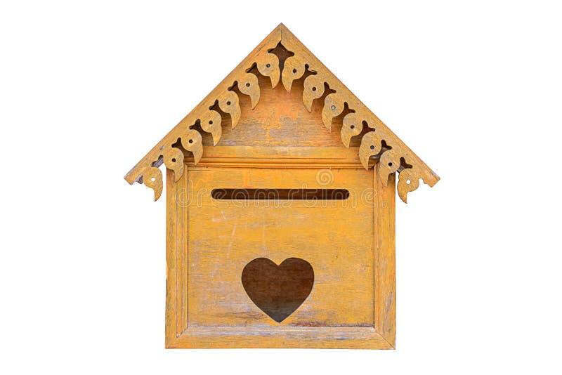 Старый деревянный изолированный почтовый ящик стоковые изображения